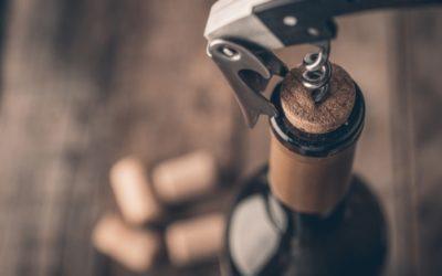 Come si stappa una bottiglia di vino